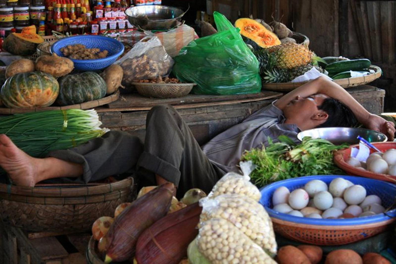 Le dormeur du marché